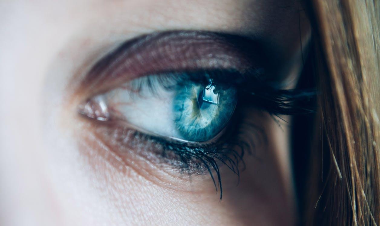 yeux bleus signification couleur