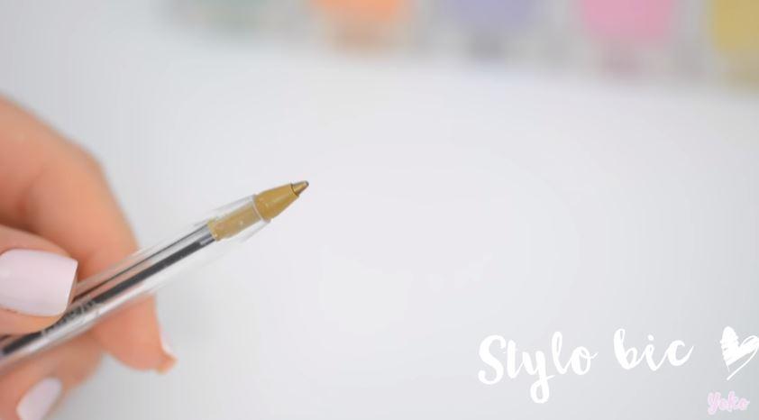 comment cr er vous m me votre mat riel de nail art pour une manucure parfaite 100 f minin. Black Bedroom Furniture Sets. Home Design Ideas