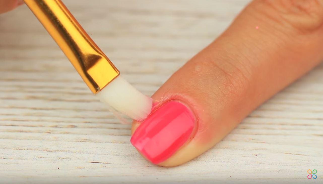 ongles parfaits manucure pinceau vernis