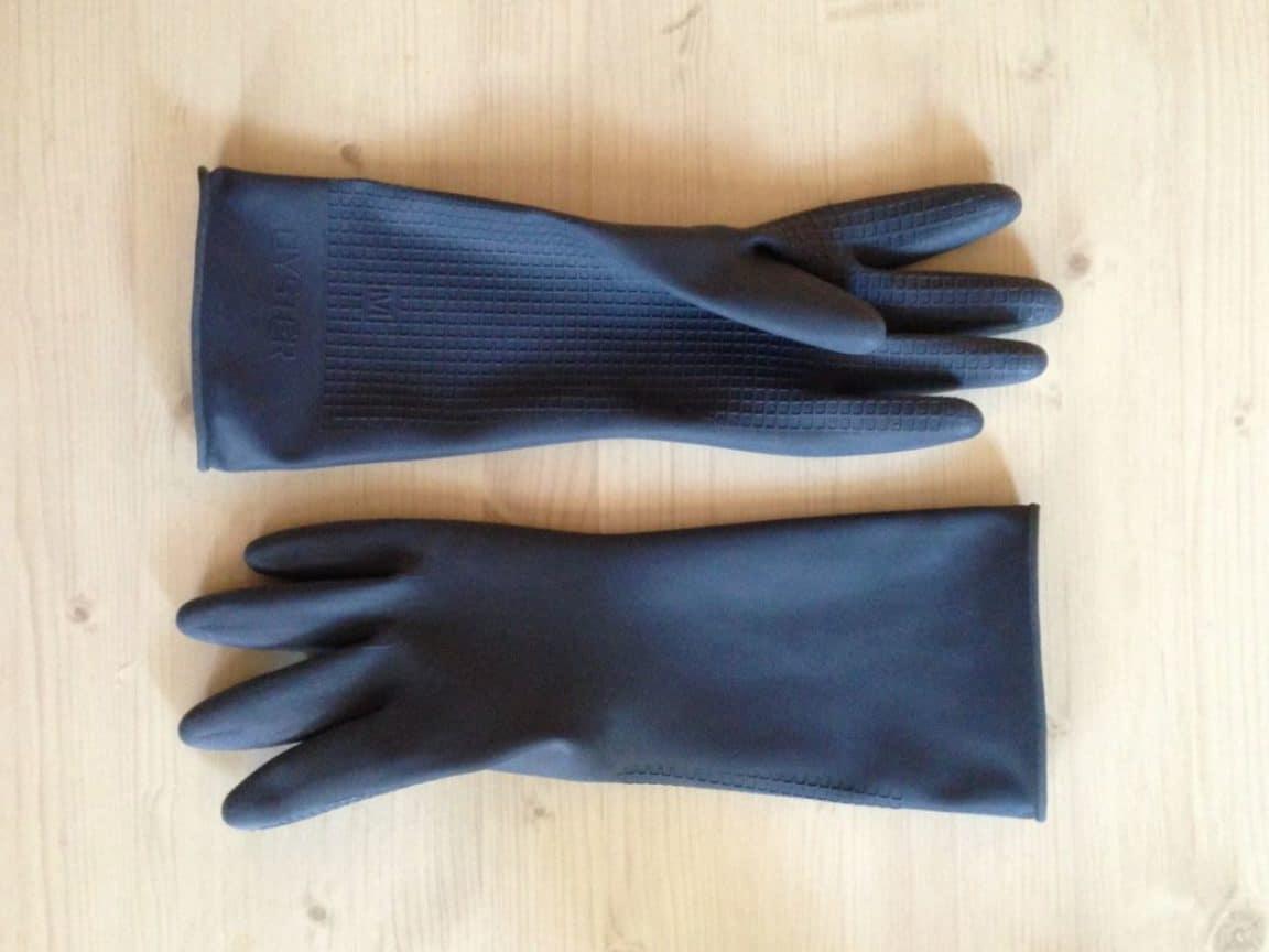 gants de ménage vernis écaillé