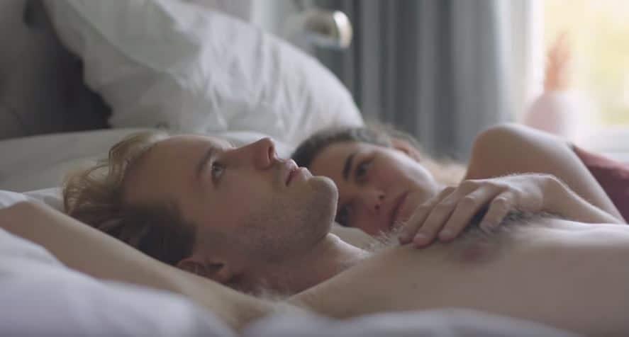 susceptibilité doreiller sexe couple lit