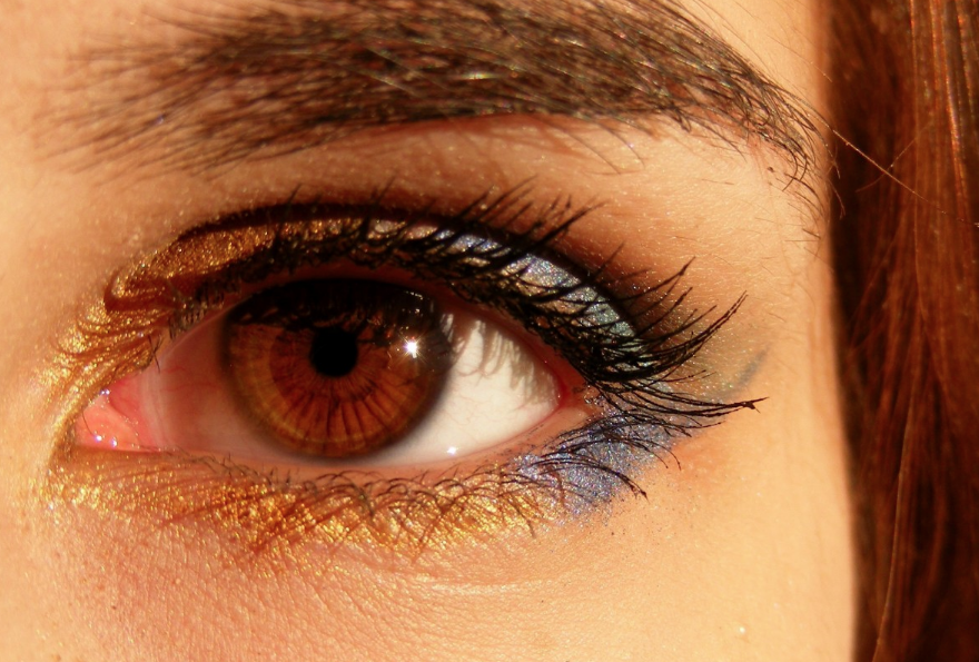yeux noisette personnalité signification couleur des yeux