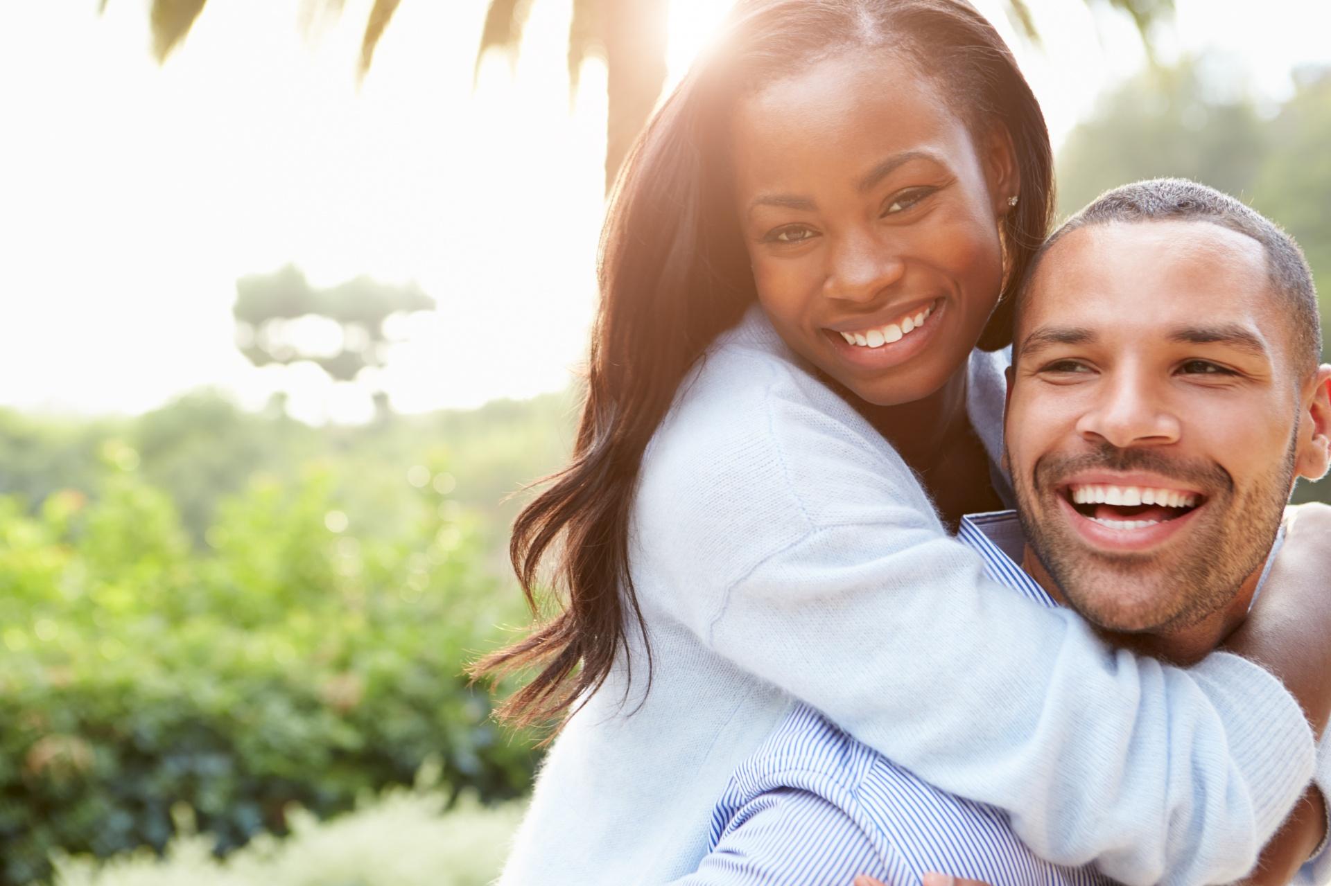 couple heureux homme femme