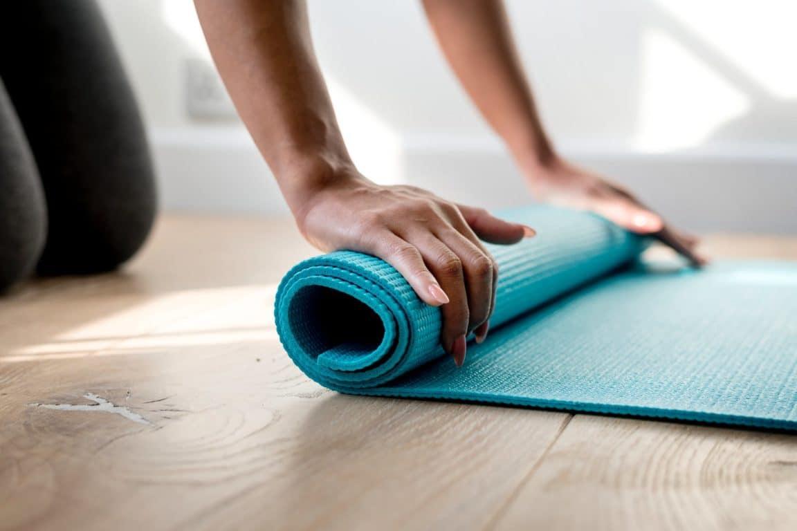 bienfaits du yoga tapis vertus