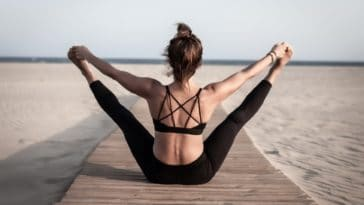 yoga posture plage vertus du yoga