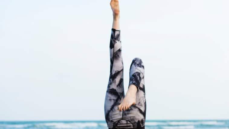 yoga posture plage cellulite anti culotte de cheval