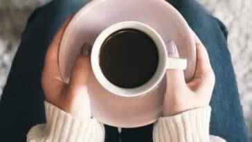 tasse à café chocolat au lait boire matin