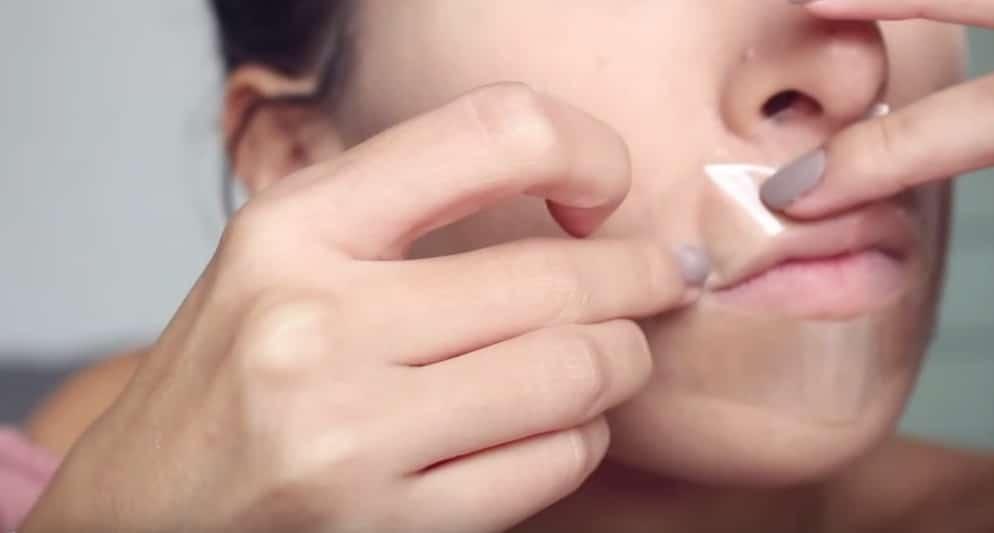 scotch astuces maquillage insolite contour des levres