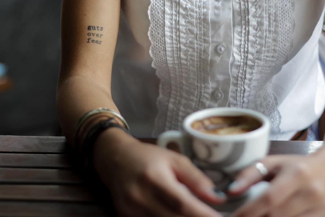 boire trop de café tasse boisson thé