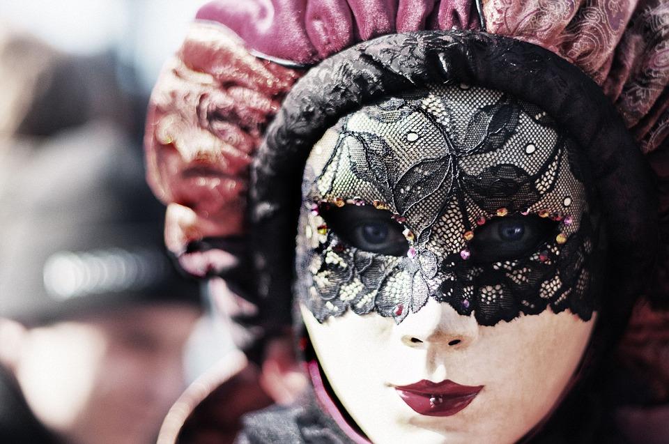 ce que votre mois de naissance dit de vous masque carnaval mars