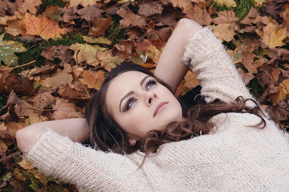 feuilles automne femme rever
