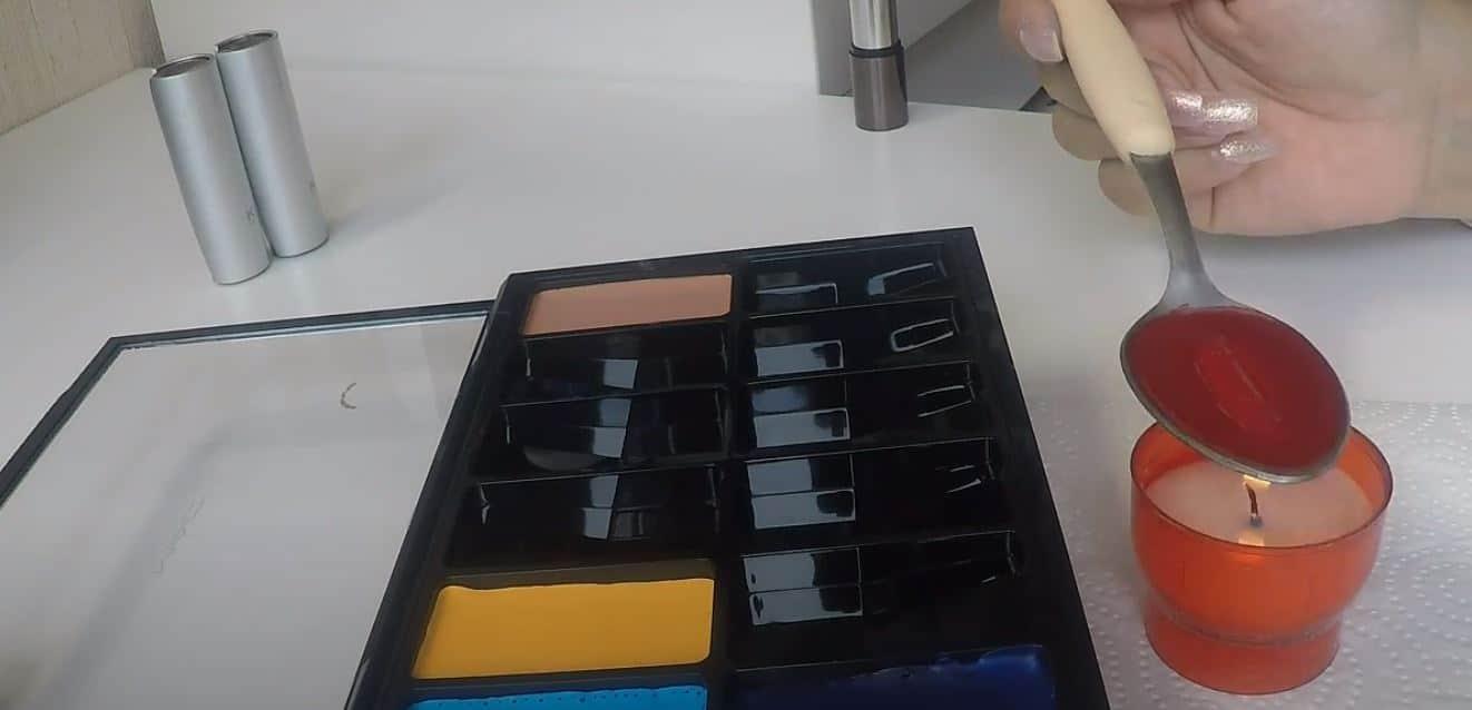 palette de maquillage fondre bougie