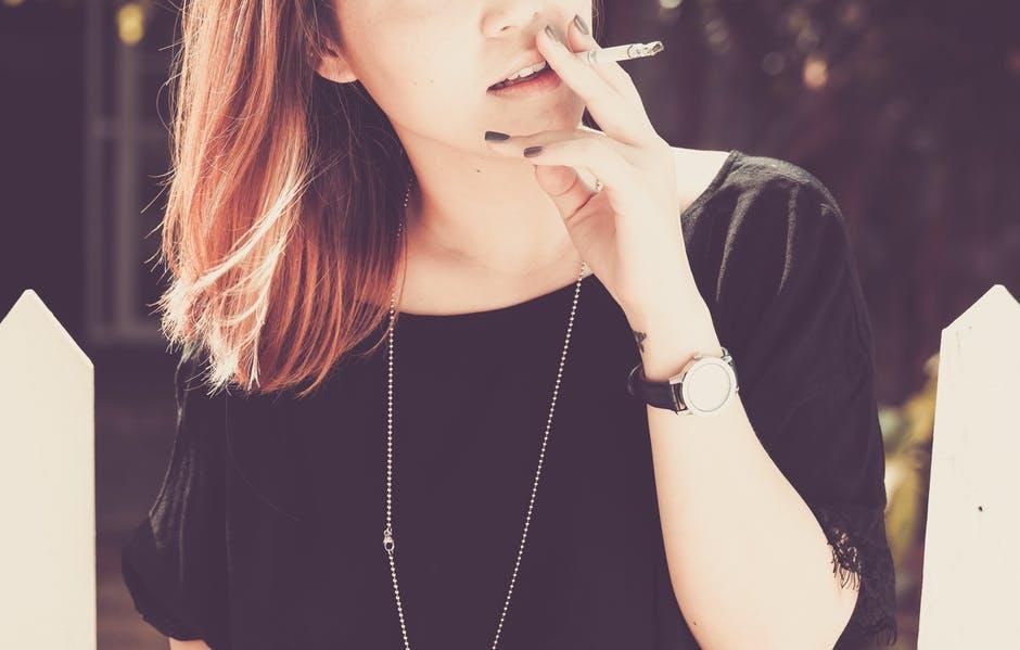pilule et cigarette