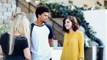 peur de blancs conversation amis jeune discussion
