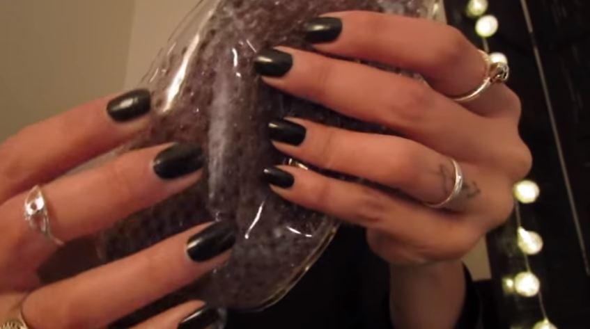 Capture vidéo Sandra ASMR sur YouTube