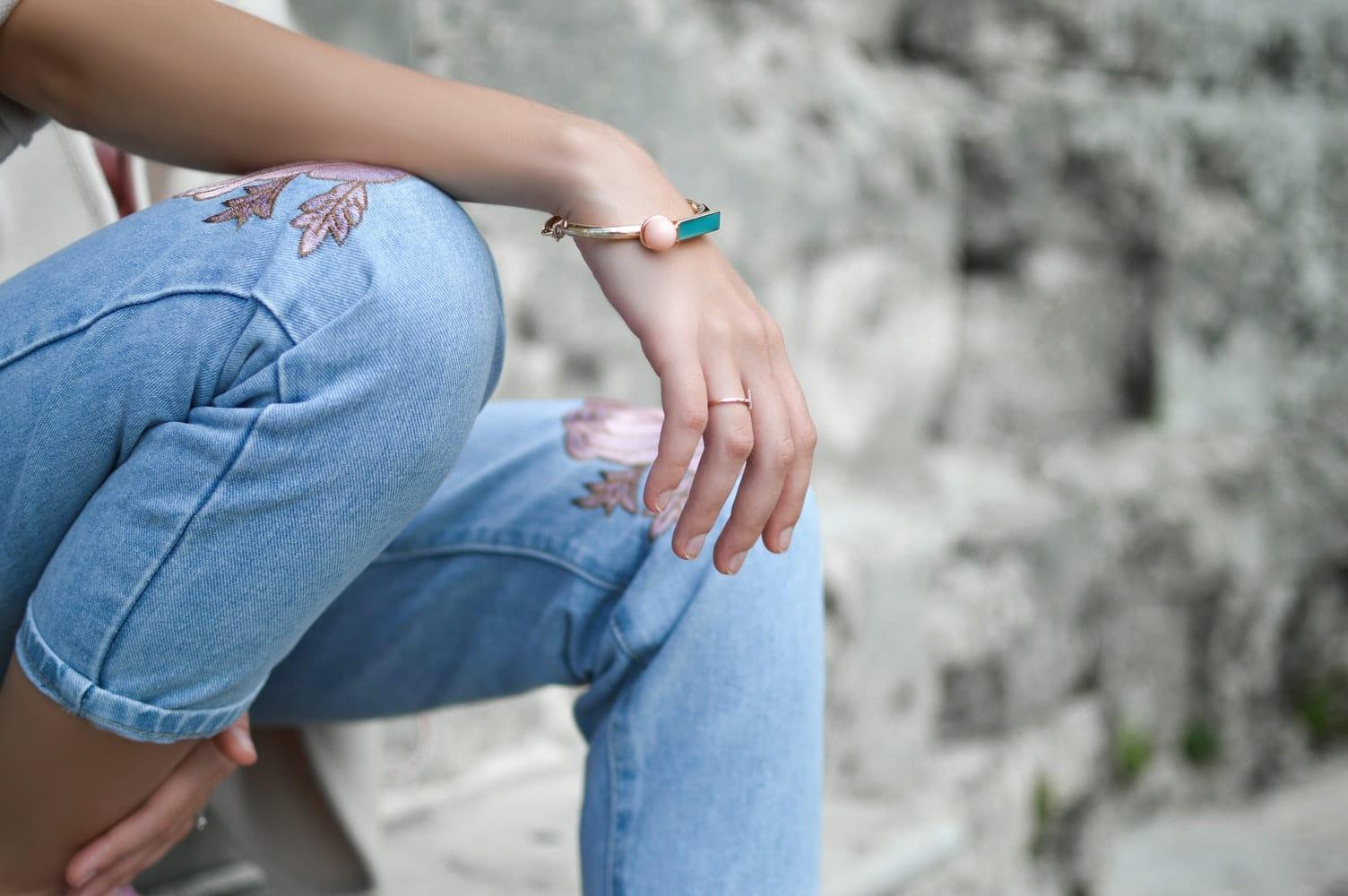 bague main jean doigt bracelet