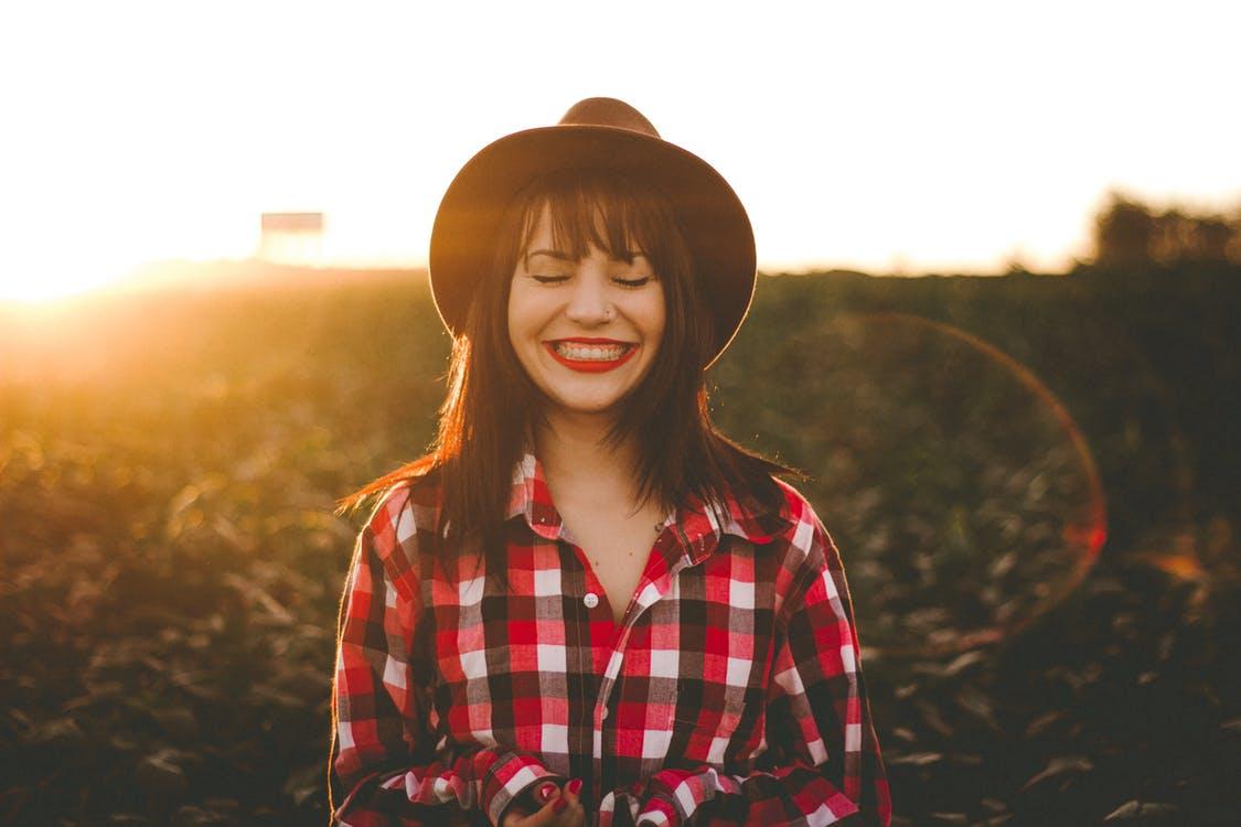 activités à faire quand on s'ennuie sourire heureux