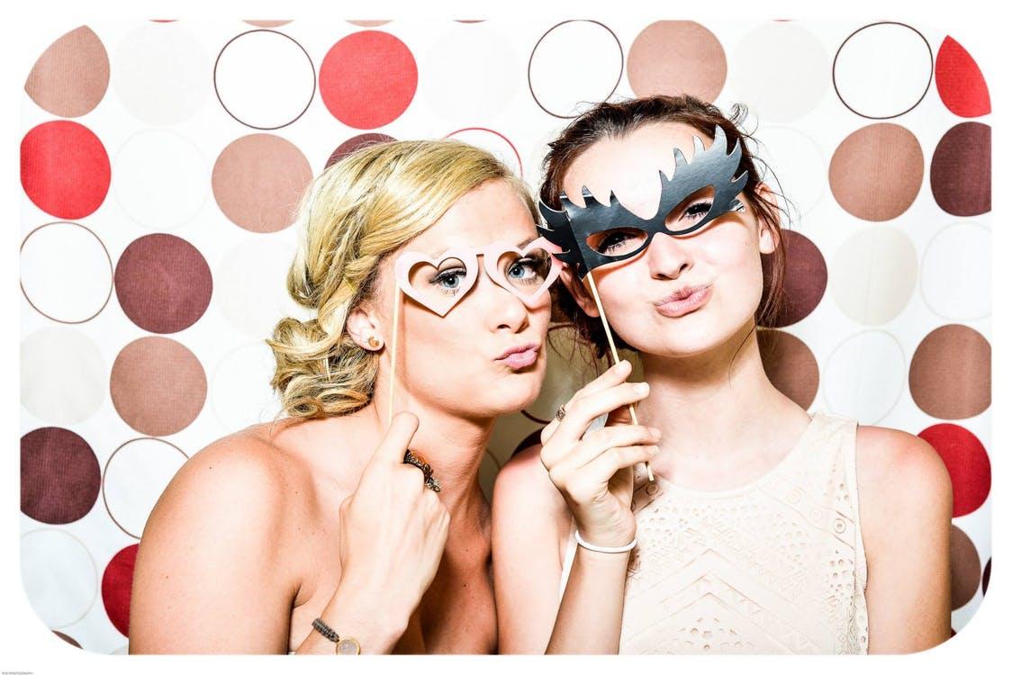 fête soirée masques thème filles