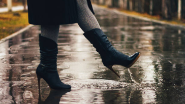vivre plus simplement pluie chaussures