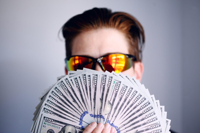 homme argent pire défauts des hommes