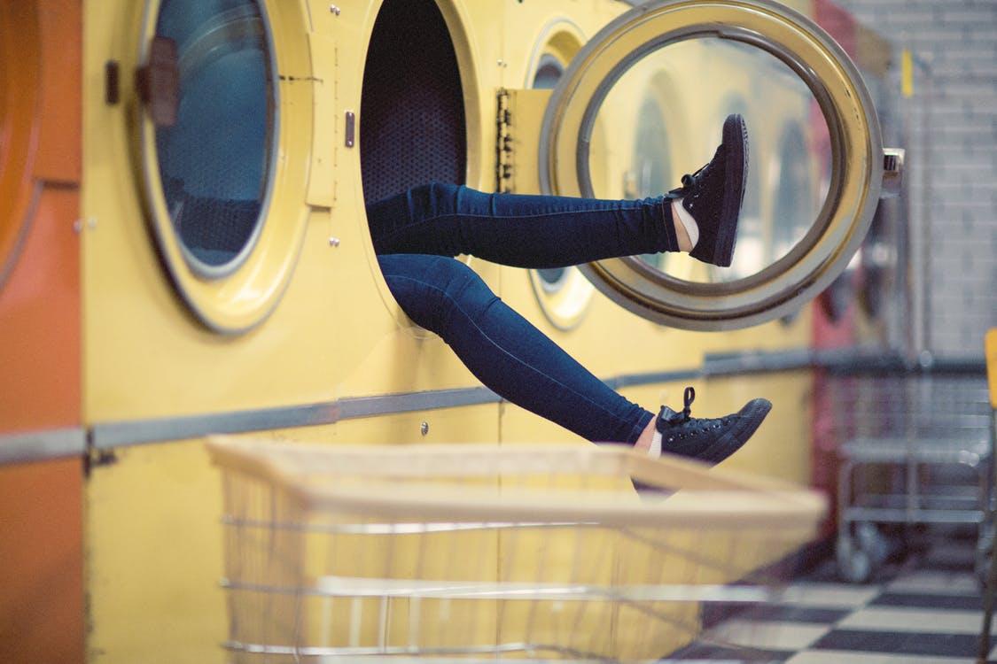 lavage machine à laver pantalon