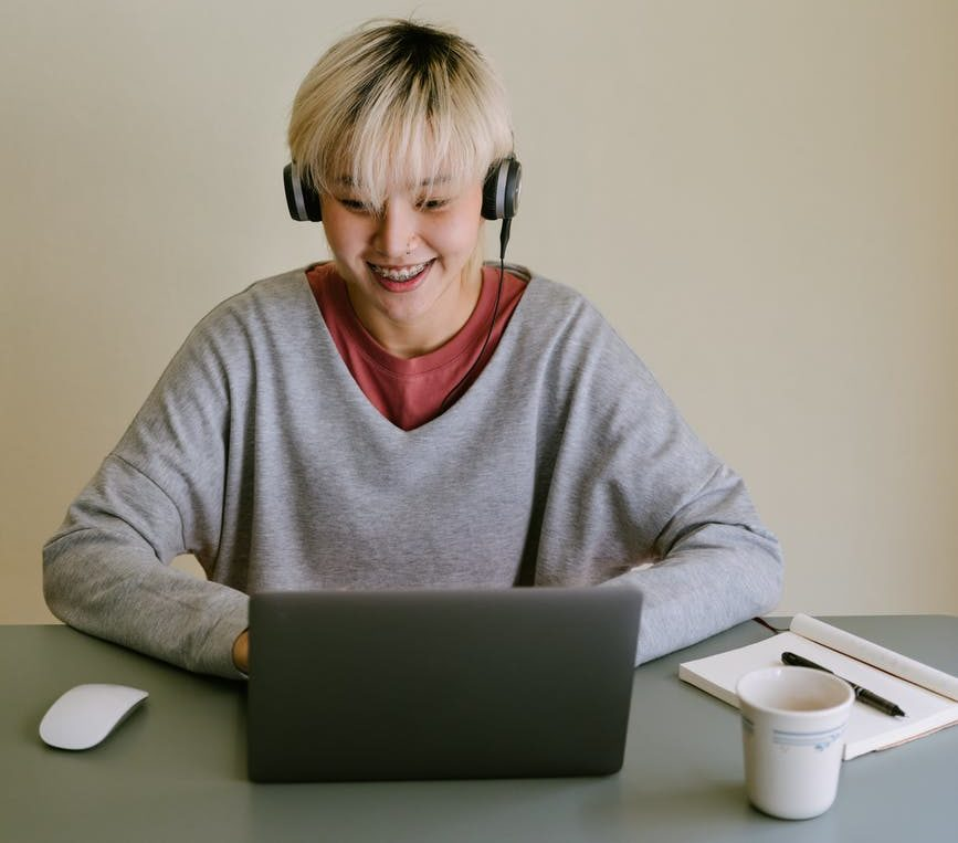 apprendre langue ordi pc musique travail