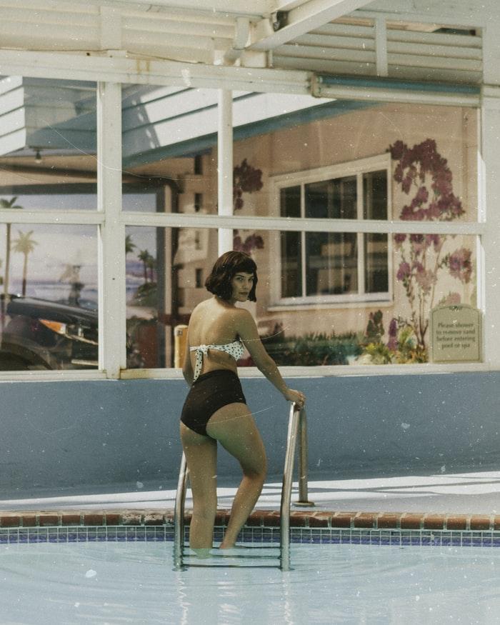 maillot de bain vintage piscine