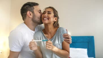 test de grossesse positif couple enfant annoncer grossesse