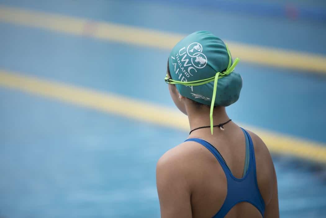 nage piscine nageuse sport maillot de bain