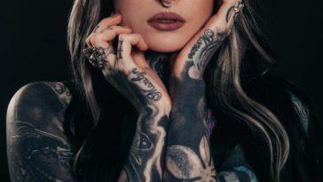 tatouage santé se faire tatouer risques femme tatouée