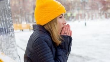 avoir froid bonnet mains pieds gelés hiver