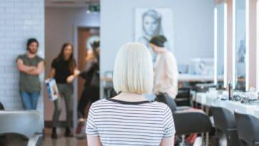 coupe de cheveux salon de coiffure coiffeur