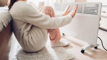 chauffage hiver radiateur femme froid mains pieds gelés