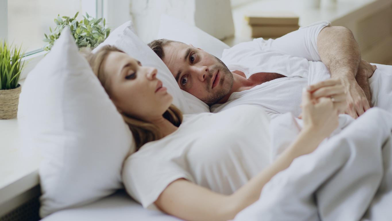 couple lit sexe dispute problème homme femme