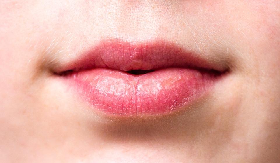 prendre soin de ses lèvres bouche astuces conseils visage