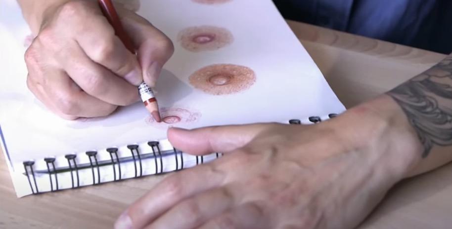 tatouage sein tétons dessiner cancer