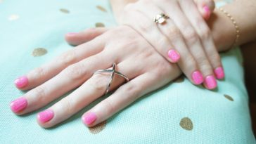 mains froides astuces mains et ongles