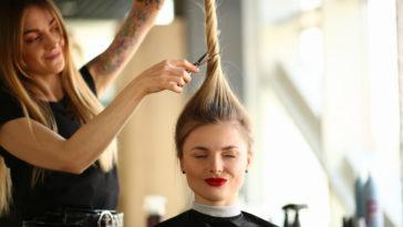 astuces aller chez le coiffeur femme coiffure coupe cheveux coiffeuse