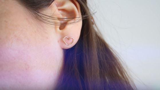 boucle d'oreille en coeur