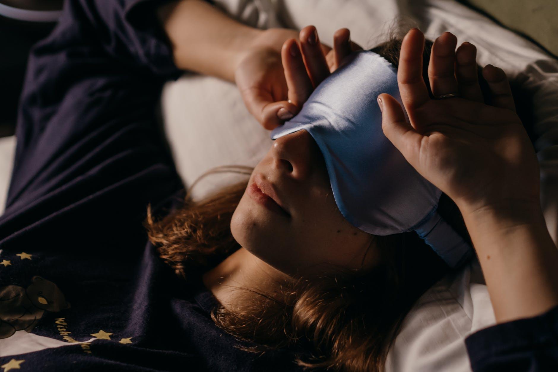 masque endormir dormir sommeil lit femme