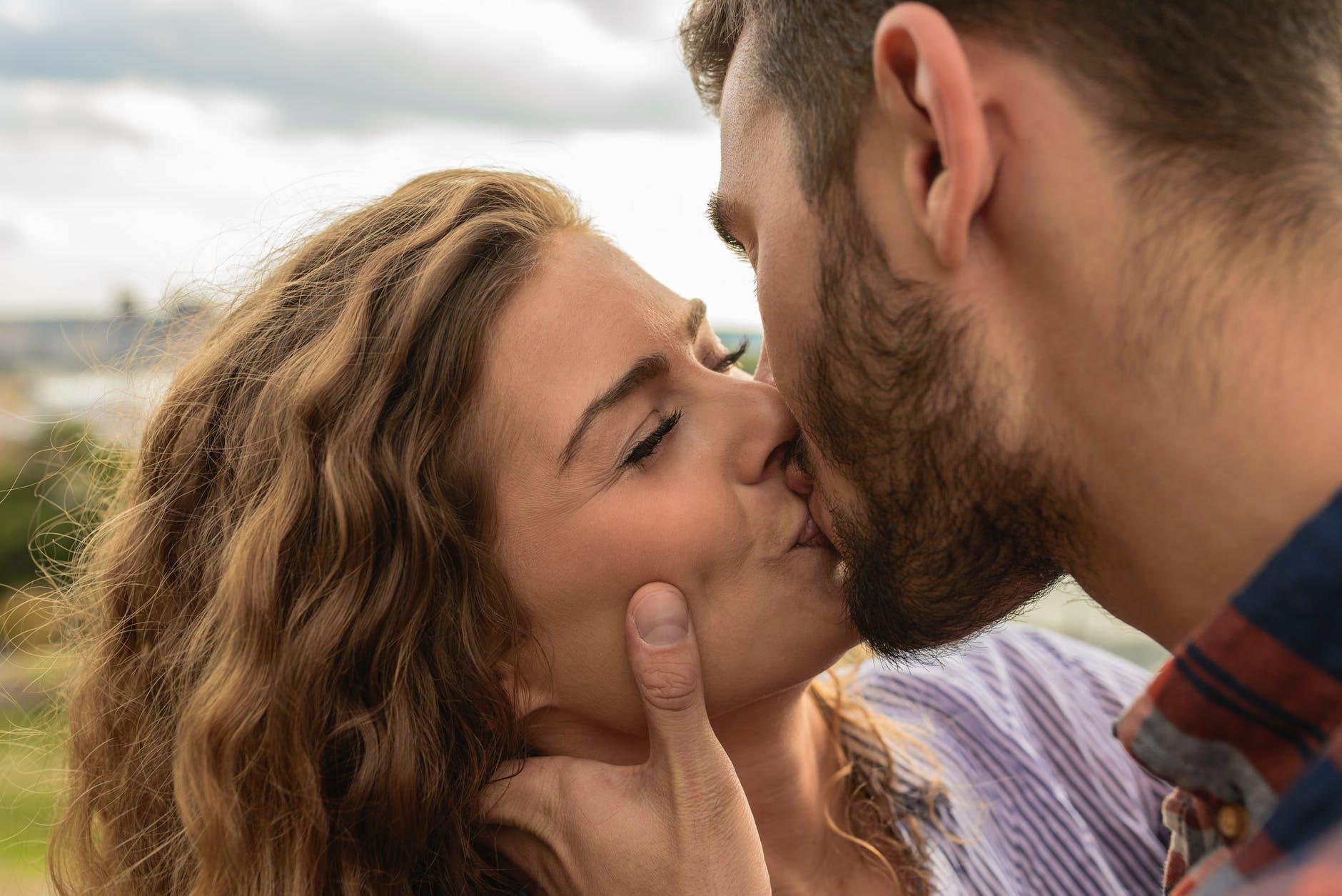 façons de s'embrasser