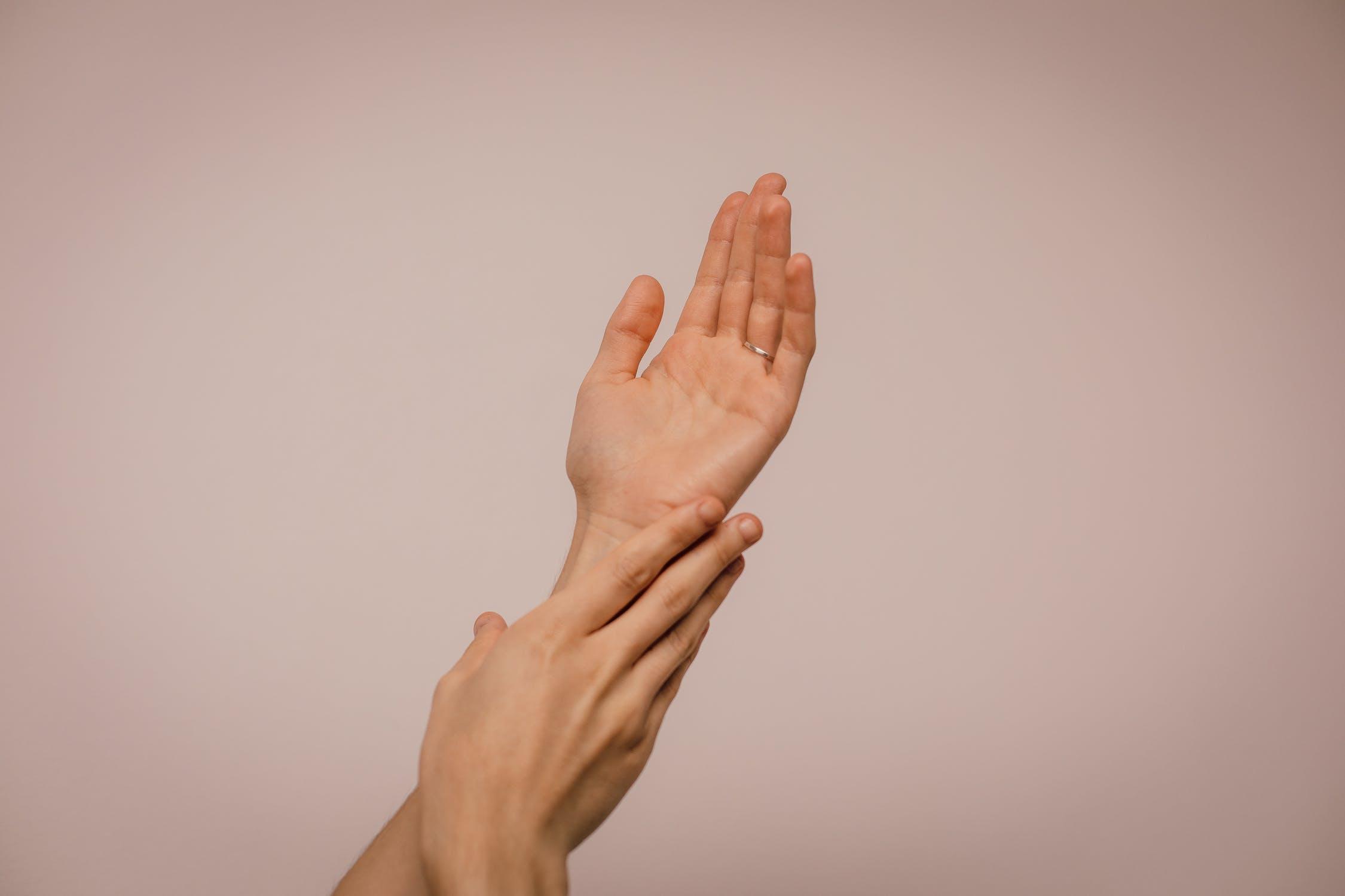 peau parfaite astuces mains et ongles