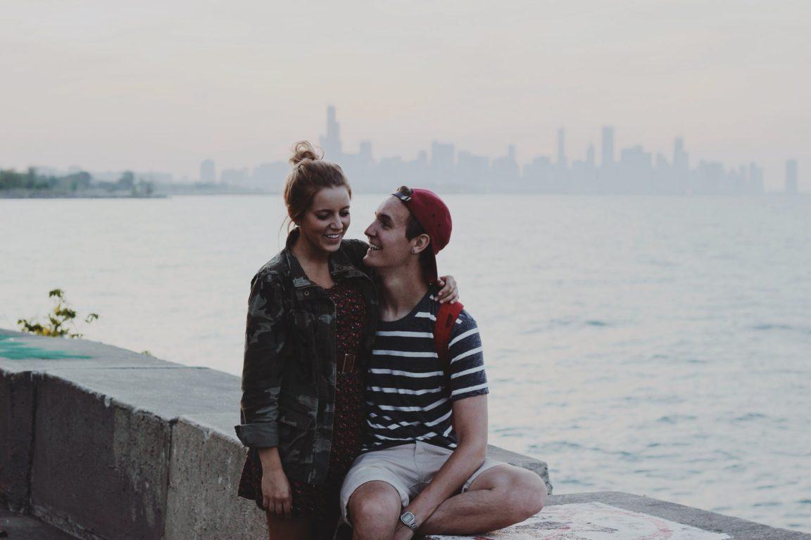 couple parler amoureux