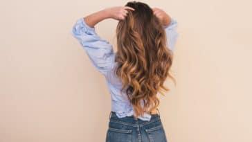 pousse repousse des cheveux longs blonds