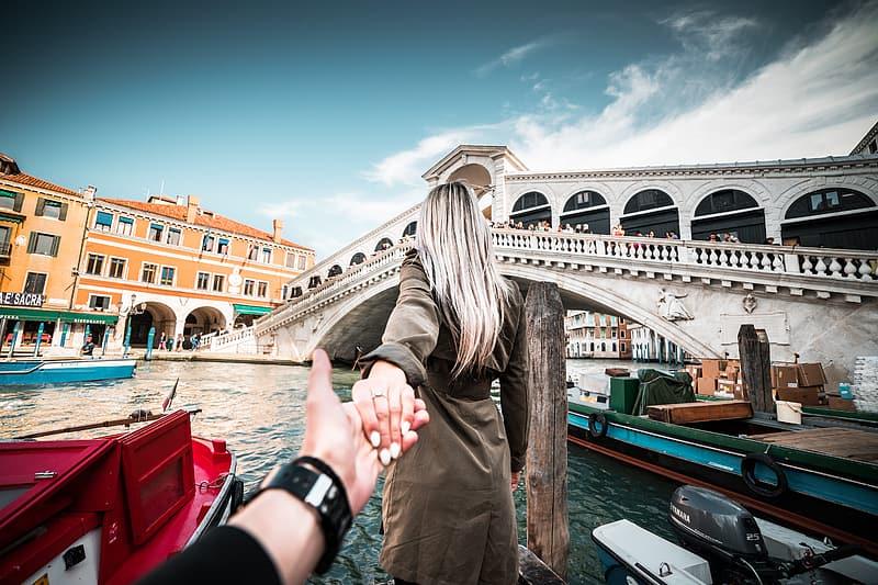 couple venise romantique voyage vacances hébergements touristiques couples