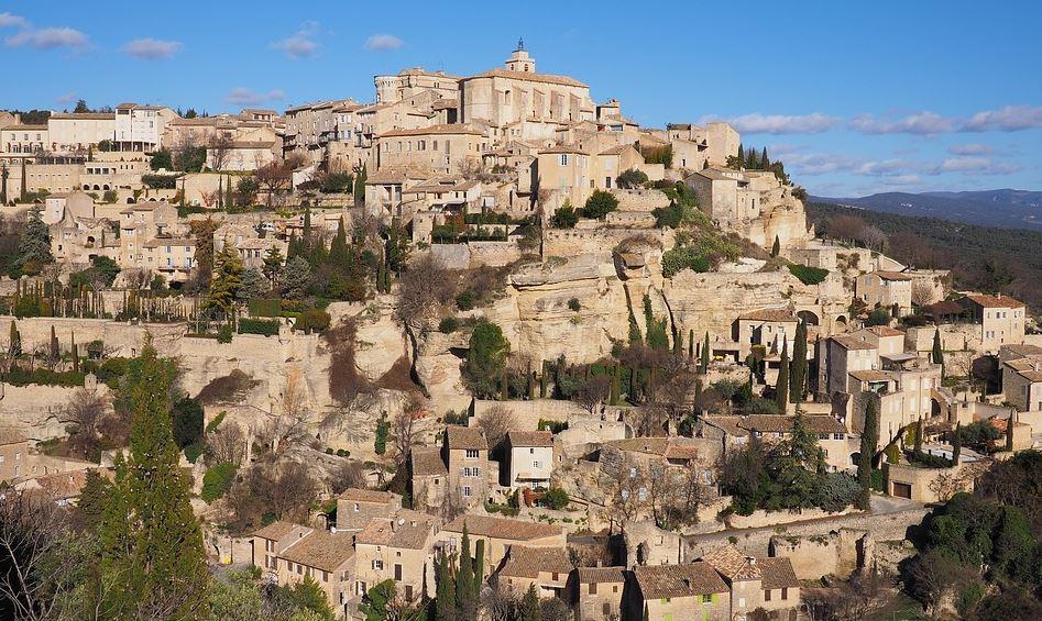 Lubéron Provence village typique randonnes amoureux nature