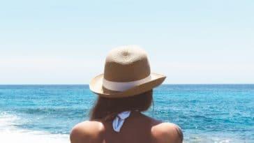 vacances été soleil plage femme