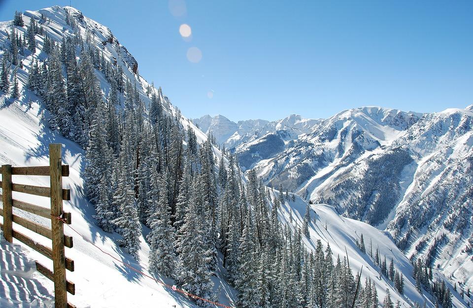 aspen colorado ski stations