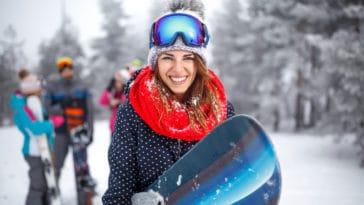 skieuse snowboard ski femme neige Colorado stations sports hiver