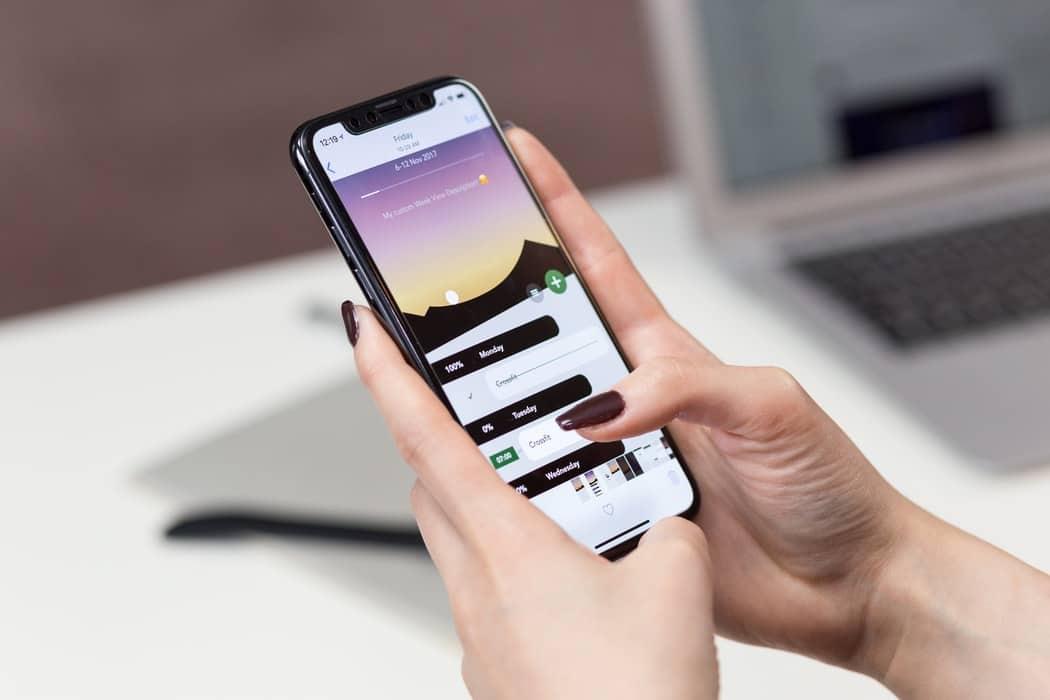 choisir produit capillaire cosmétiques appli téléphone